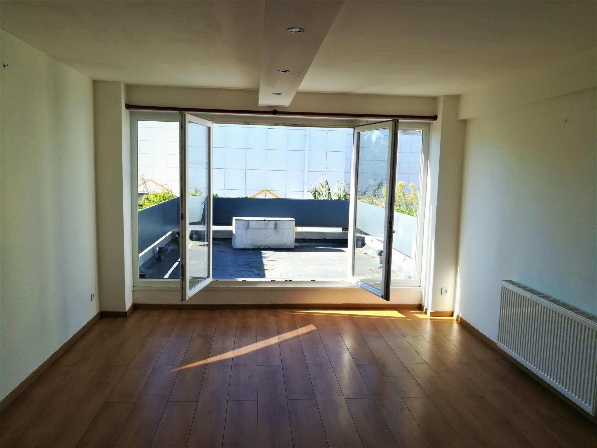 Vente f4 en dernier tage avec terrasse for Deco appartement f4